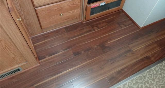 Problems with Plywood Floor Sheeting Delaminating When Wet